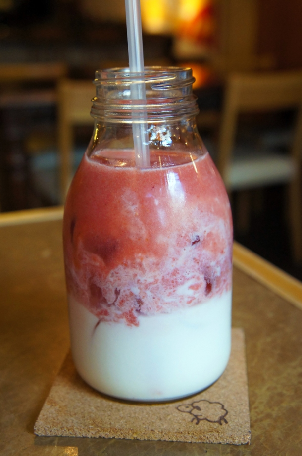 Strawberry Banana Con Leche