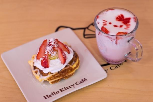 Strawberry Latte & Waffle