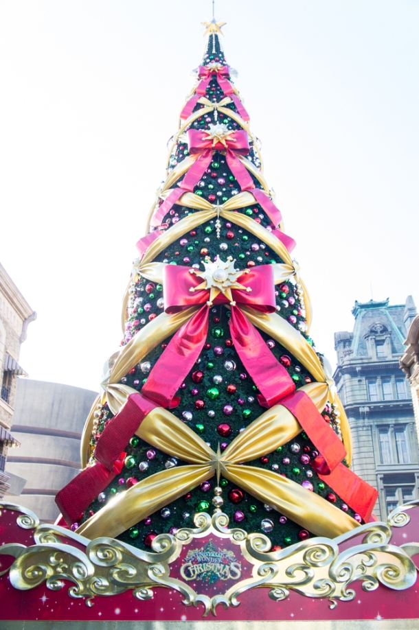 Christmas Tree (day)