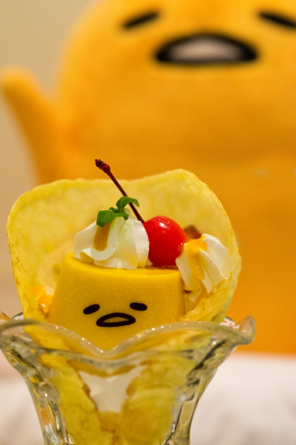 Mango Pudding Crêpe (close)