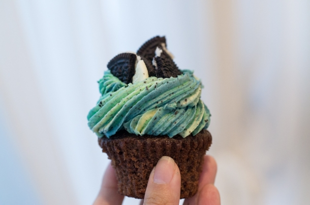 Mint Cookies & Creme Cupcake