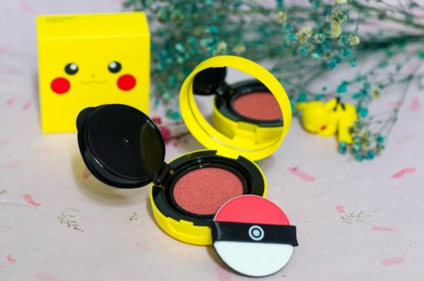 Pikachu Mini Cushion Blusher (open)