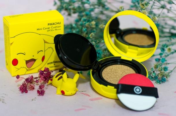 Pikachu Mini Cover Cushion (open)