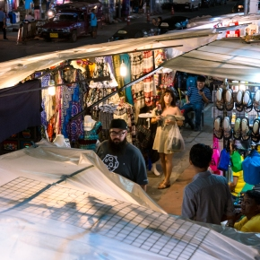 Chiang Mai, Thailand: Night Bazaar VS Sunday Night Market